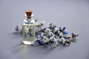 cosmetic-oil-bottle